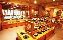 Hagi-yaki Pottery & Misuzu Kaneko Corner