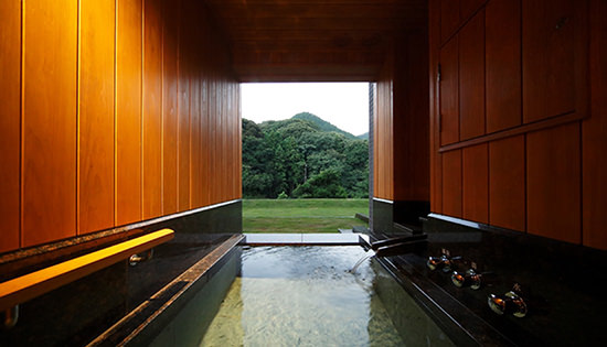 Premium Twin Room with Private Outdoor Bath (Mountain-side)