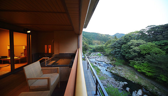 Premium Suite B with Private Outdoor Bath (Mountain Stream-side)