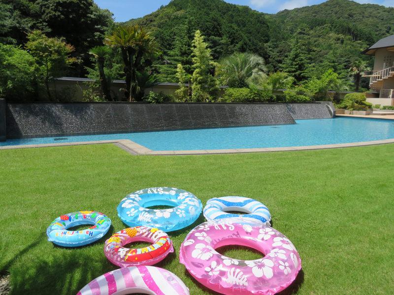 大谷山荘で萩焼体験