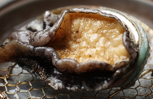 Live grilled abalone