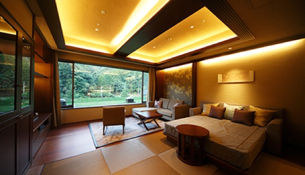 Guest Rooms with Private Outdoor Baths