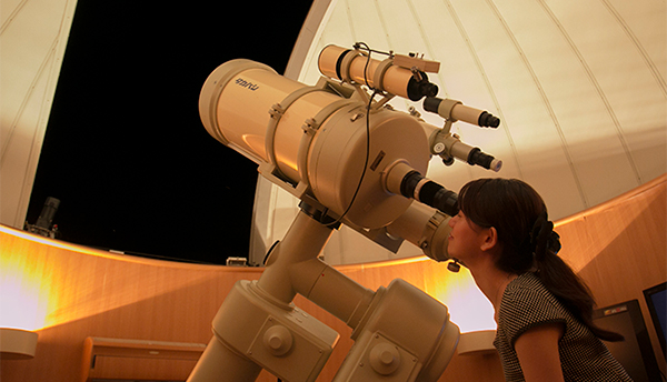 Hello from the astronomical observatory dome! Information on this month's starry skies