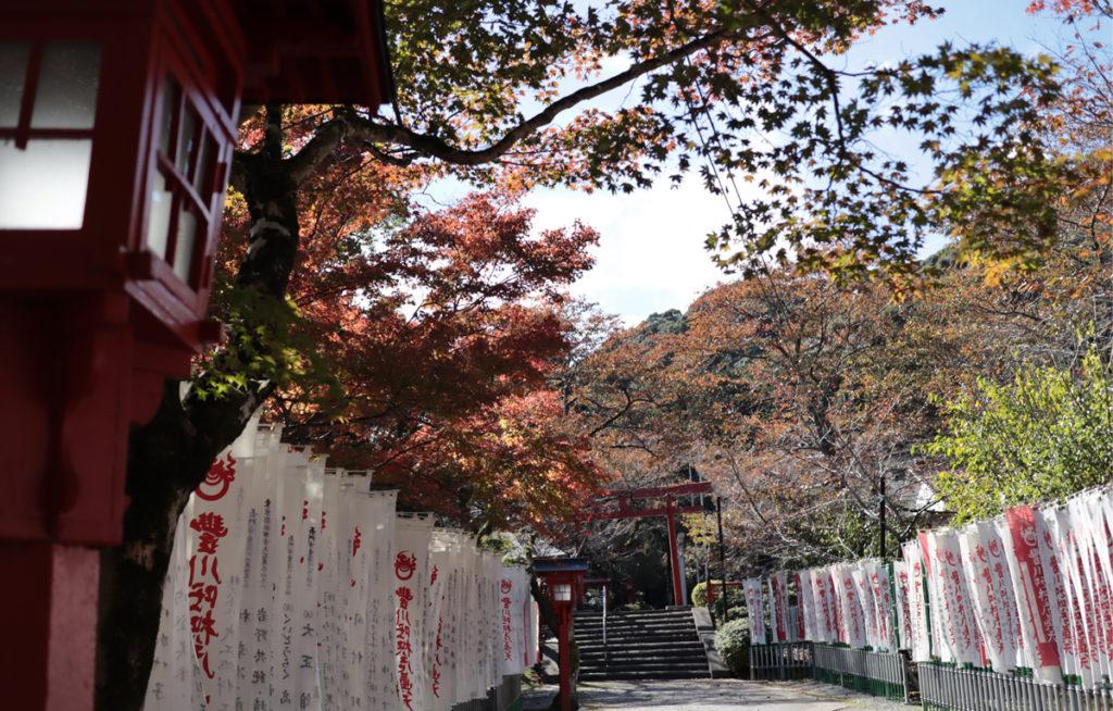 autumnleaves1_taineijitemple