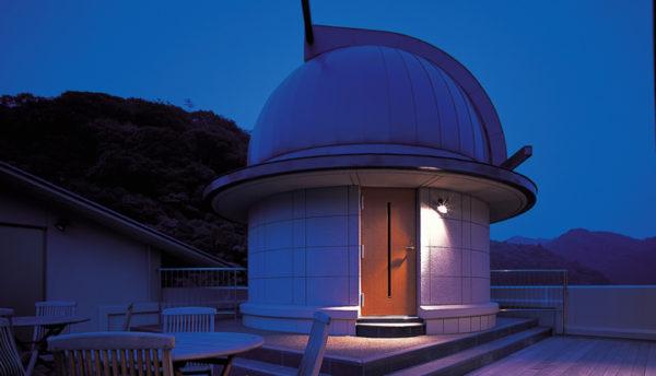 【2月の天体ドーム】仲良く並ぶふたご座や冬のダイヤモンドを構成するプロキオン、かに座の中心にあるプレセペ星団を観測