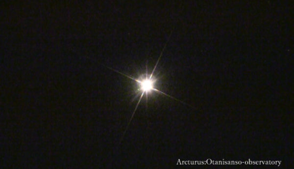 【4月の天体ドーム】春の星空を教えてくれる北斗七星、アルクトゥールスやスピカが形づくる大三角形を観測します。