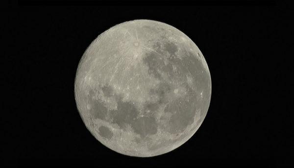 【5月の天体ドーム】3年ぶりの皆既月食。今年最大の満月が欠けていく様子を観測いたします。